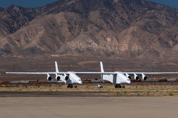 آزمایش موفقیت آمیز غول پیکرترین هواپیمای دنیا