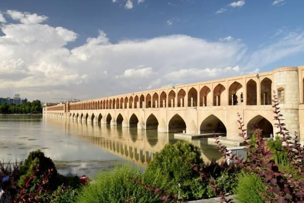 سی و سه پل اصفهان از نمایی که تاحالا ندیده بودید